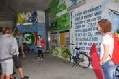Der künstlerisch gestaltete S-Bahn-Halt am Bischofsplatz wird bereits auf Stadtführungen gezeigt. Am 26. August beginnt hier der Kinderumzug zur Eröffnung des Hechtfestes.  Foto: Una Giesecke