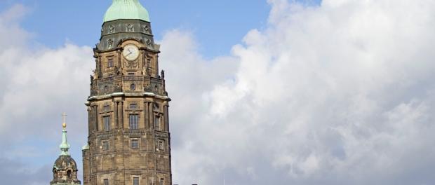Die Sanierung des Rathausturms würde Dresden Millionen kosten. Foto: Thomas Türpe