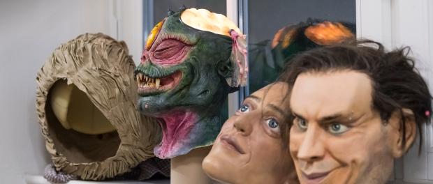 Masken: Gefertigt von den Studenten der HfBK. Foto: Matthias Rietschel