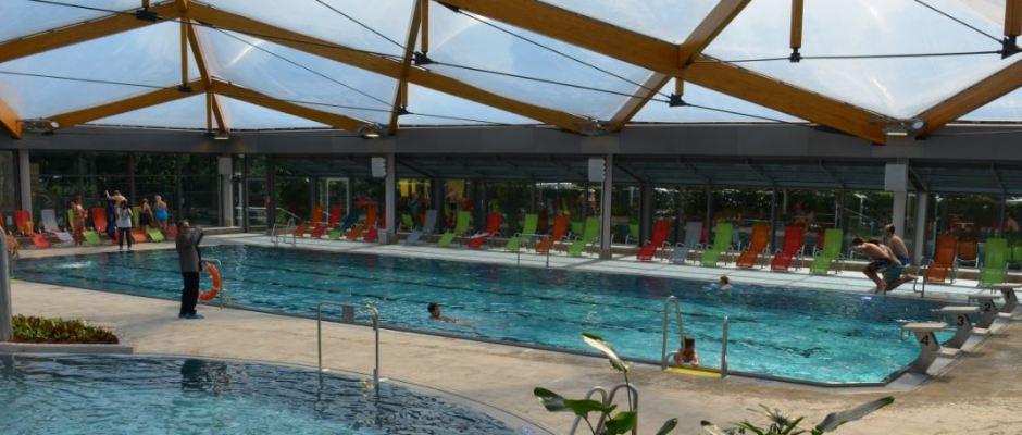 Endlich kann man wieder im Stadtzentrum planschen und schwimmen. Foto: Thessa Wolf