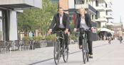 Ob auf dem Weg zur Arbeit, in den Verein oder zur Ausbildung – mit dem Rad tut man etwas für die eigene Gesundheit und zugleich für die Umwelt. Foto: ADFC/Jens Lehmkühler